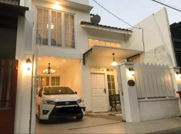 OnList - Dijual Rumah 🔥 American Classic Rawamangun Jakarta Timur