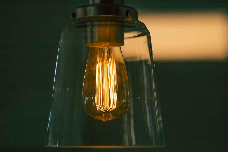 Minyak Aroma Pada Bohlam Lampu
