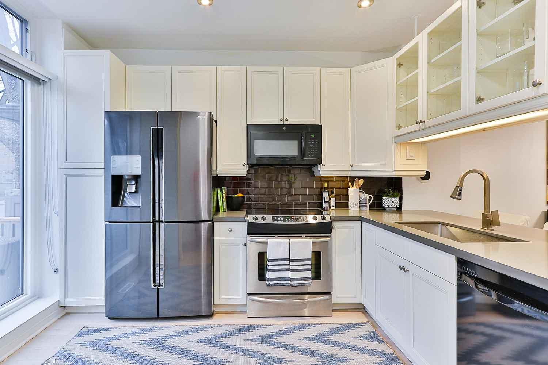 Dinding Dapur Berwarna Putih