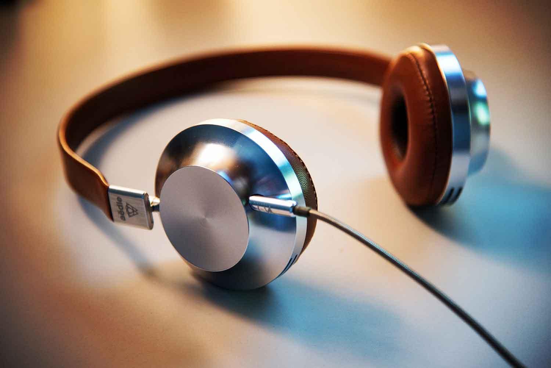 Memutar Musik
