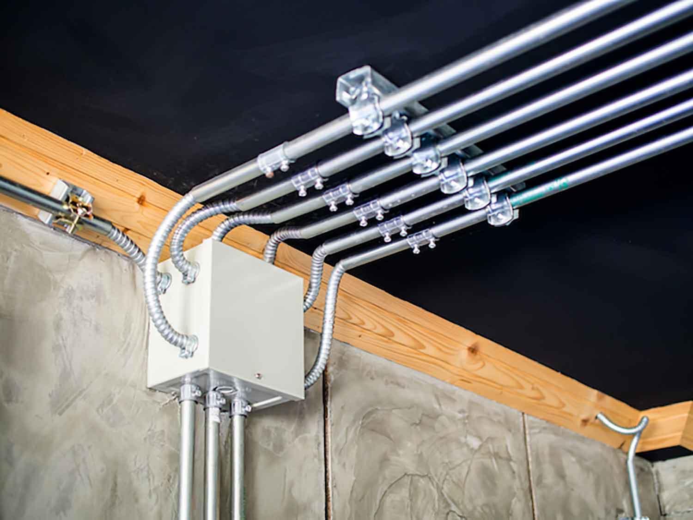 Melindungi Kabel Listrik Dengan Pipa Conduit