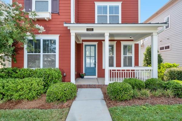 Rumah minimalis putih merah