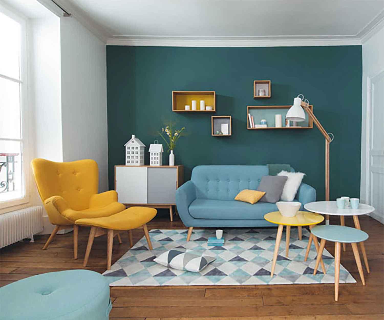 Ruang Tamu Minimalis dengan Warna Ceria